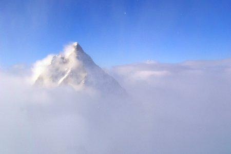 Zermatt meteo Cervino avvolto da vento e nuvole