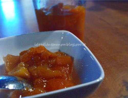 Marmellata di albicocche, pesche e rum