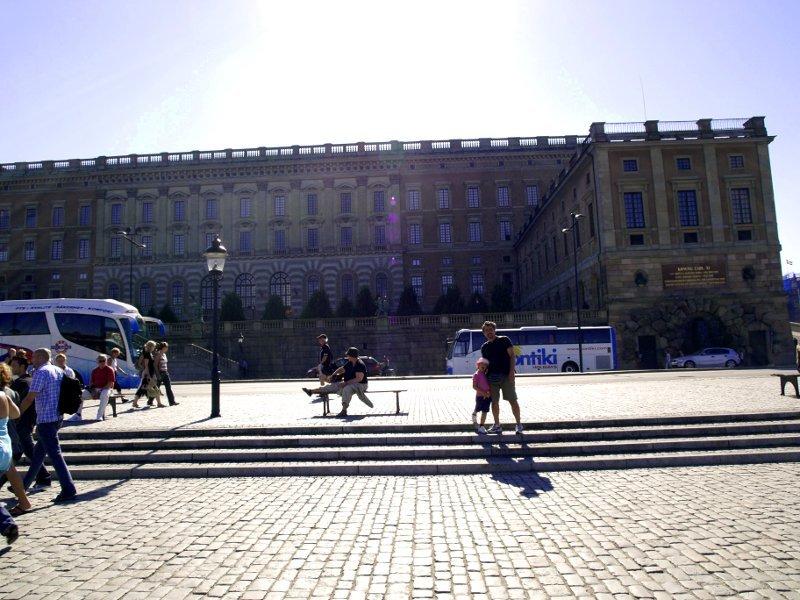 palazzo reale stoccolma di fianco