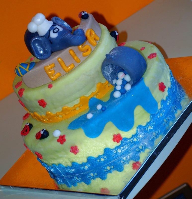 elefantina e torta completa