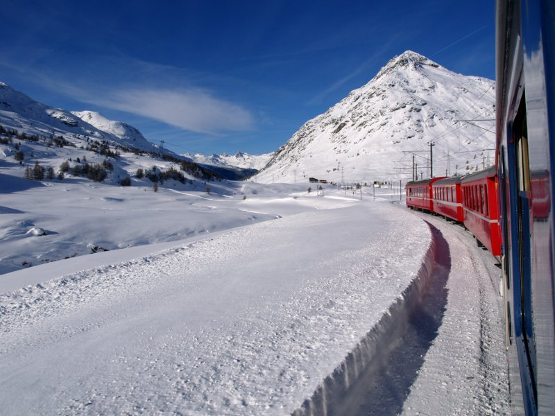 Trenino del Bernina fra Diavolezza e Ospizio Bernina