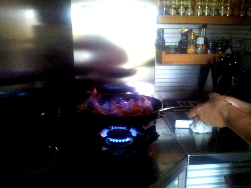 macedonia calda con zabaione frutta flambè