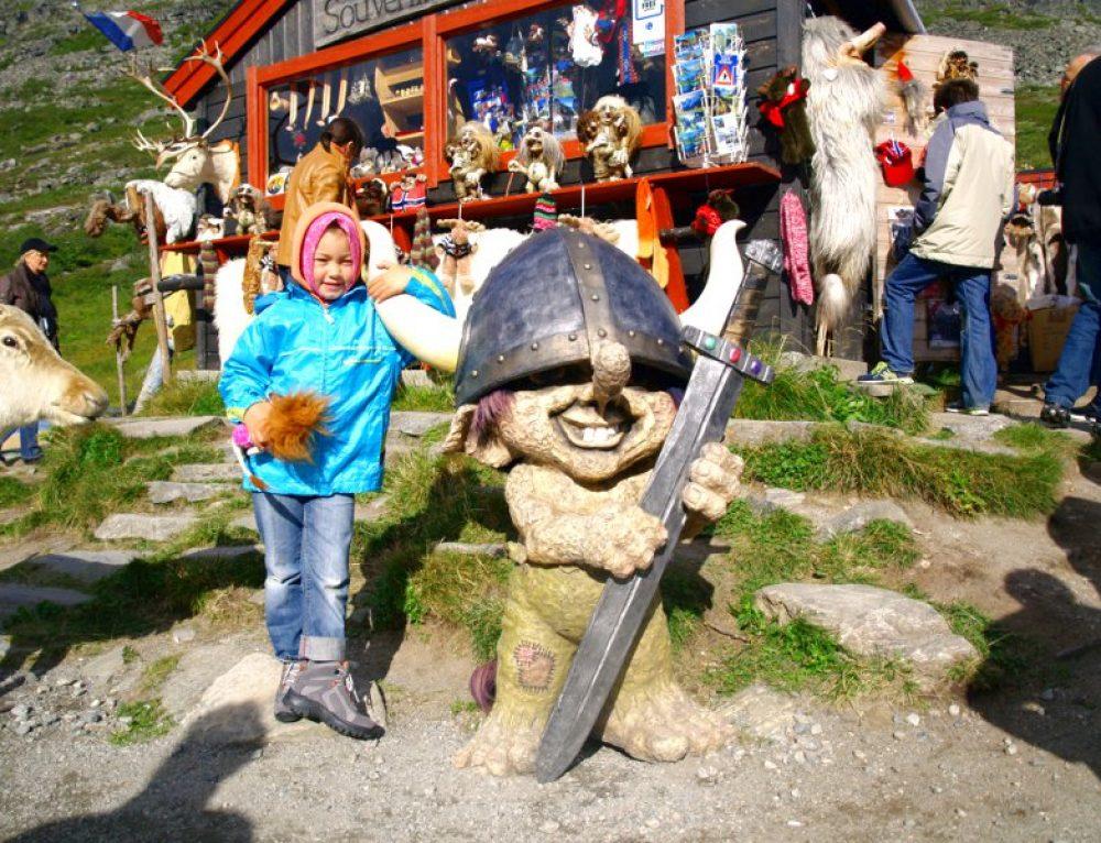 Trondheim e la TrollStingen, città e troll in Norvegia