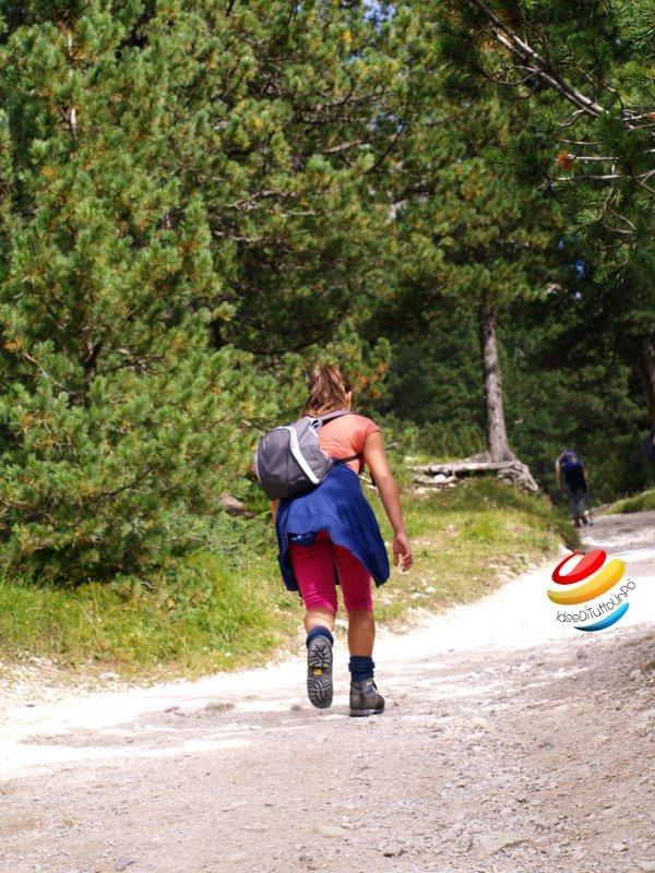 Verso il rifugio Vajolet ai piedi delle torri del vajolet
