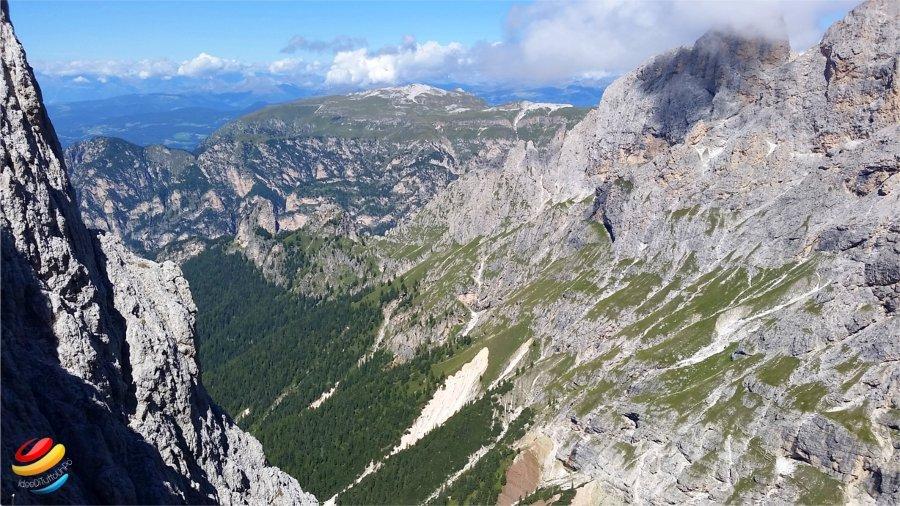 vista sulla valle dalle torri del vajolet