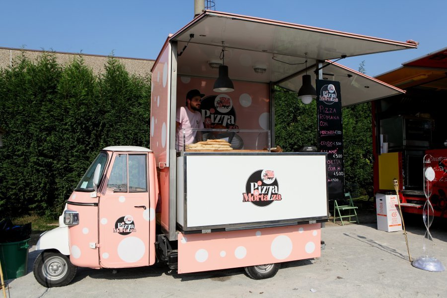 streeat Truck Food ape rosa