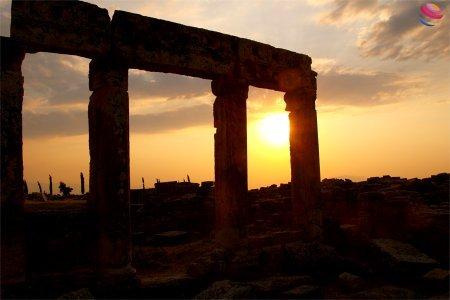 pamukkale hierapolis al tramonto