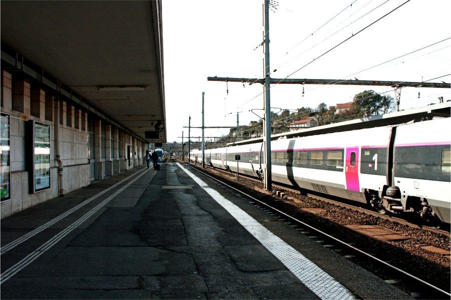 station-platform-
