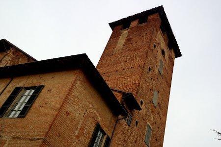 Castelli piacentini visitabili la torre del Castello di Sarmato