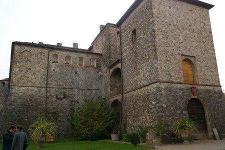 Castelli piacentini visitabili la rocca del Castello di Agazzano