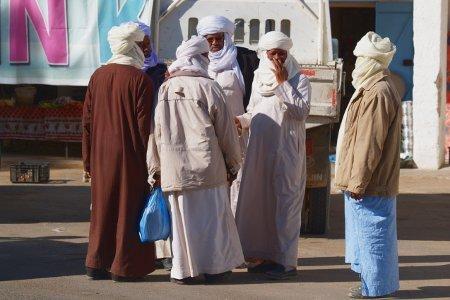 Algeria Tadrard uomini all'Oasi di Djanet