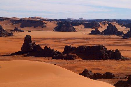 Algeria Tadrart picchi rocciosi nel deserto