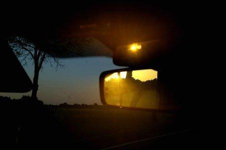 cosa fare in macchina durante un viaggio tramonto