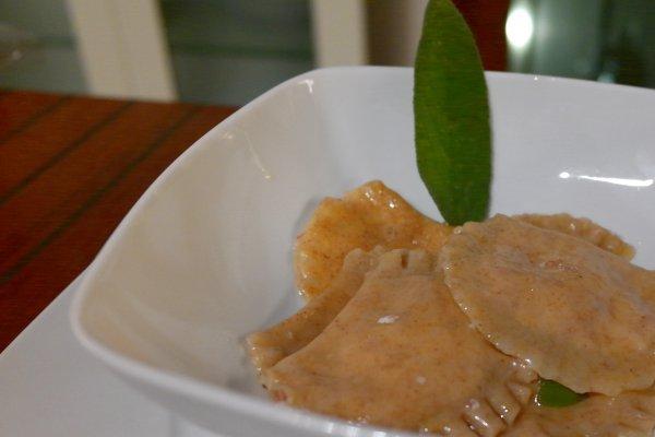ricette di capodanno tortelli con cotechino burro e salvia
