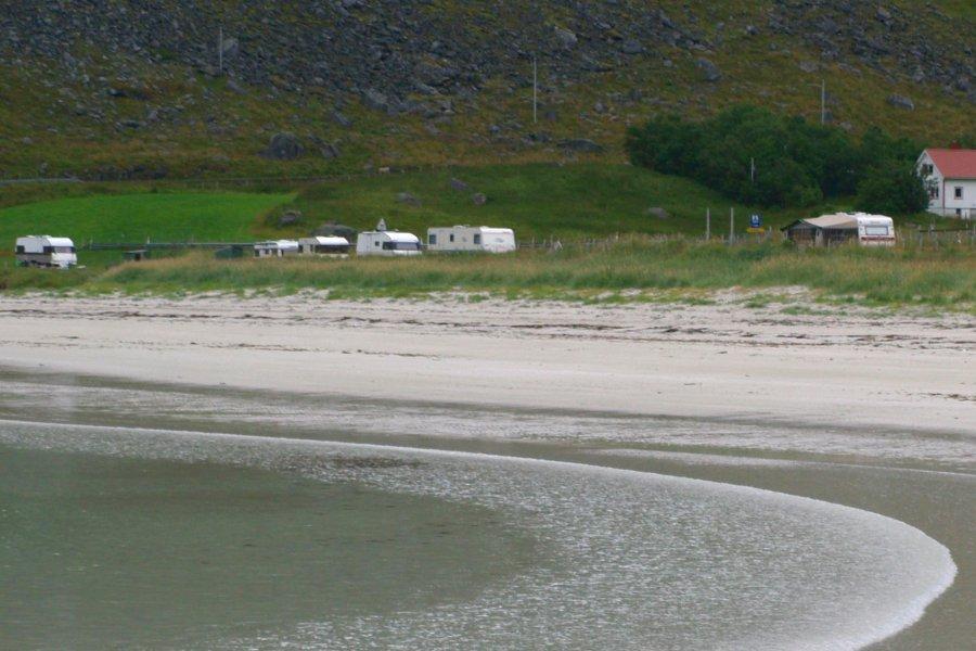 Norvegia in camper camper sulla spiaggia