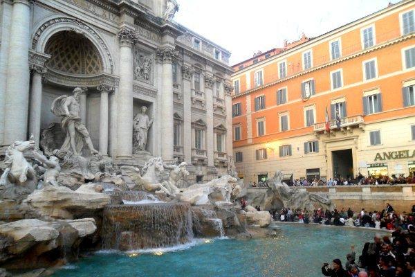 Campeggio Roma fontana di trevi