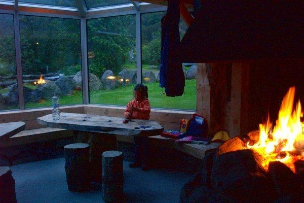 Norvegia in camper caminetto in campeggio
