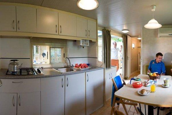 Campeggio Roma interno casa mobile giotto