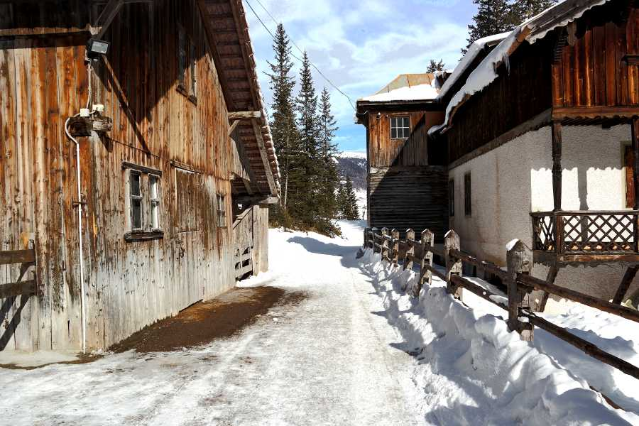Val Fiscalina, inizio del sentiero che in 30 minuti porta al rifugio di Fondovalle