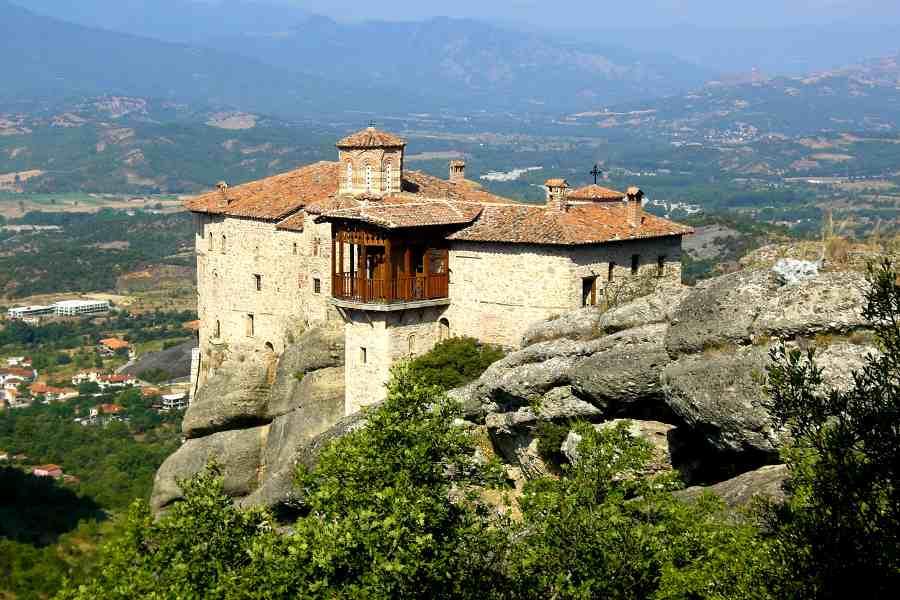 meteora monastero con panorama