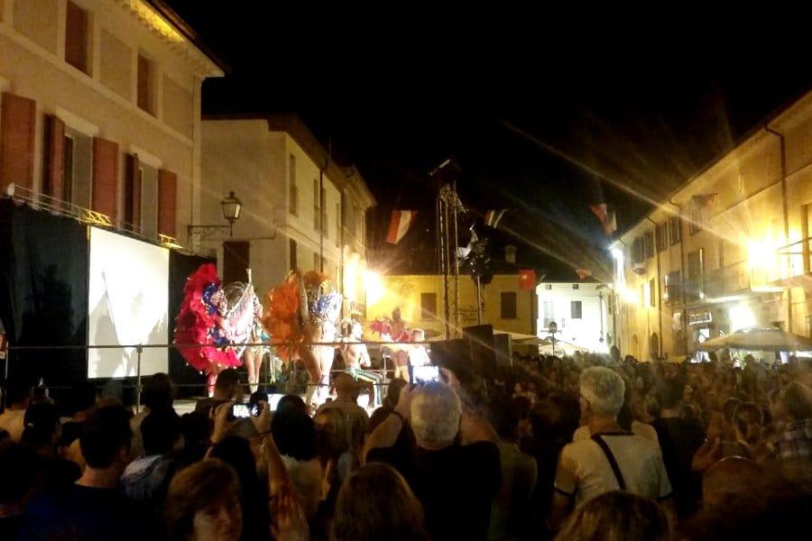 Bagnara ri Romagna la folla