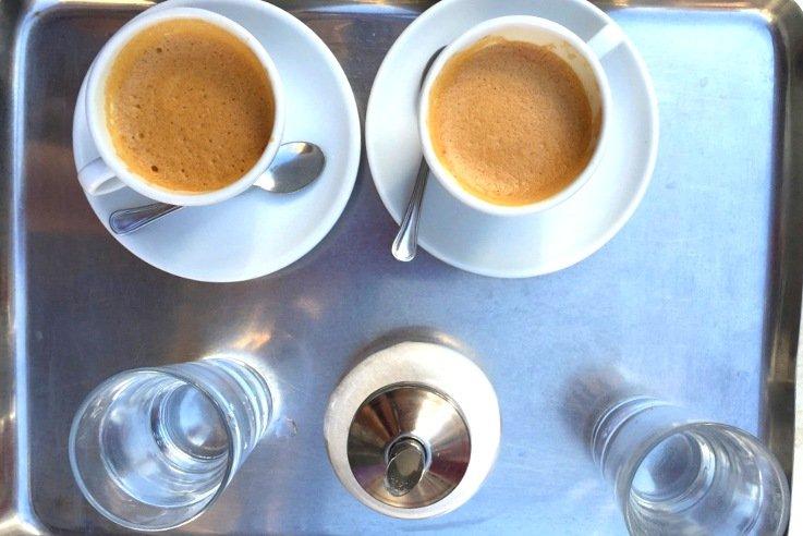 il caffè al tavolo