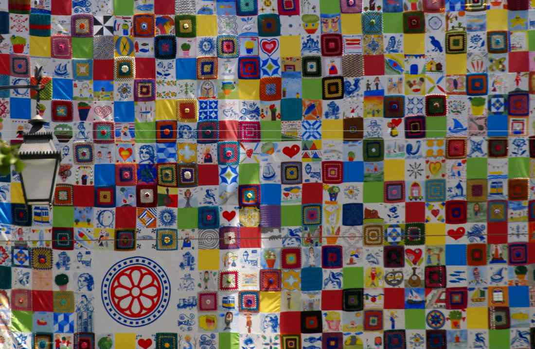 Lisbona murales di colori