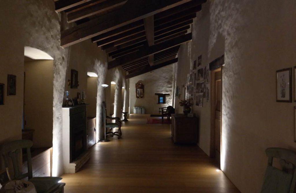 Castello di Gambaro di Ferriere interno corridoio