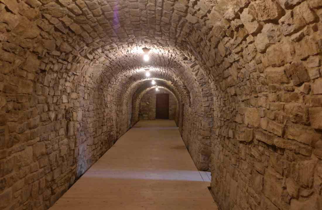 Castello malaspina di Gambaro le cantine sotterranee