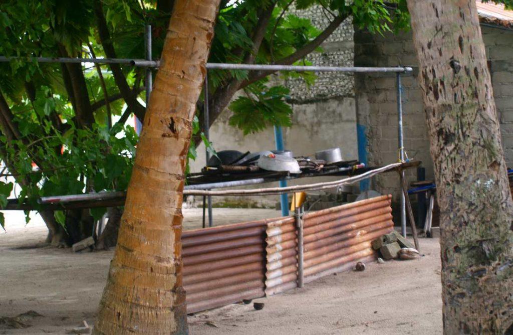 Isole maldive la cucina esterna di una casa