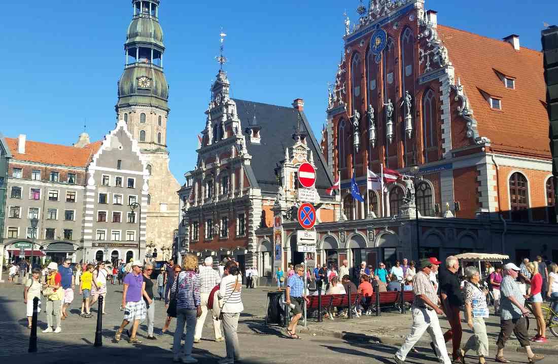 capitale lettonia piazza del municipio
