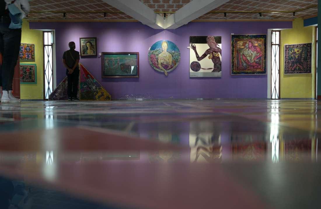 Nik Spatari la sala espositiva della rosa dei venti