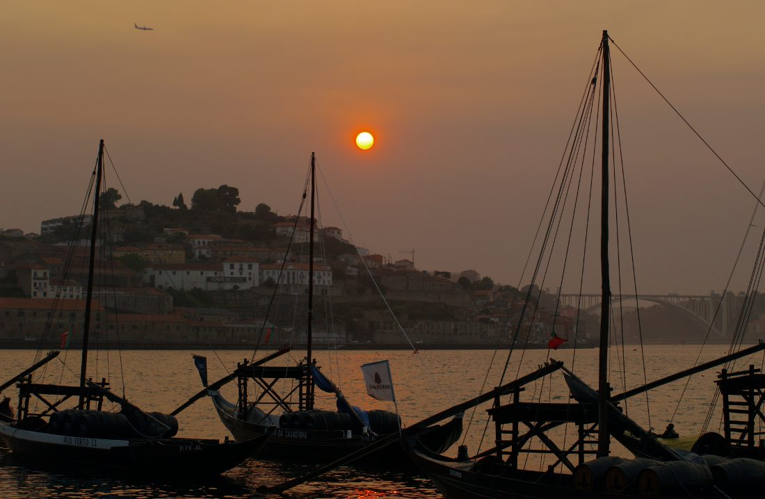 porto lisbona tramonto a porto