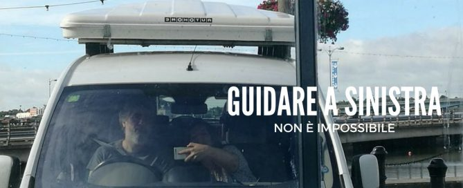guidare a sinistra