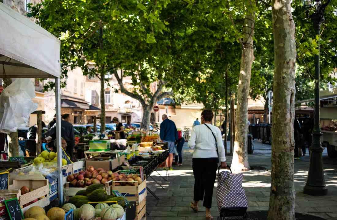 cosa mangiare in corsica mercato di bastia