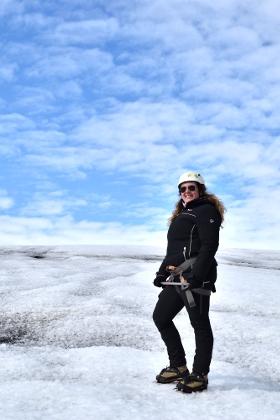 Monica LIverani travel blogger in Islanda